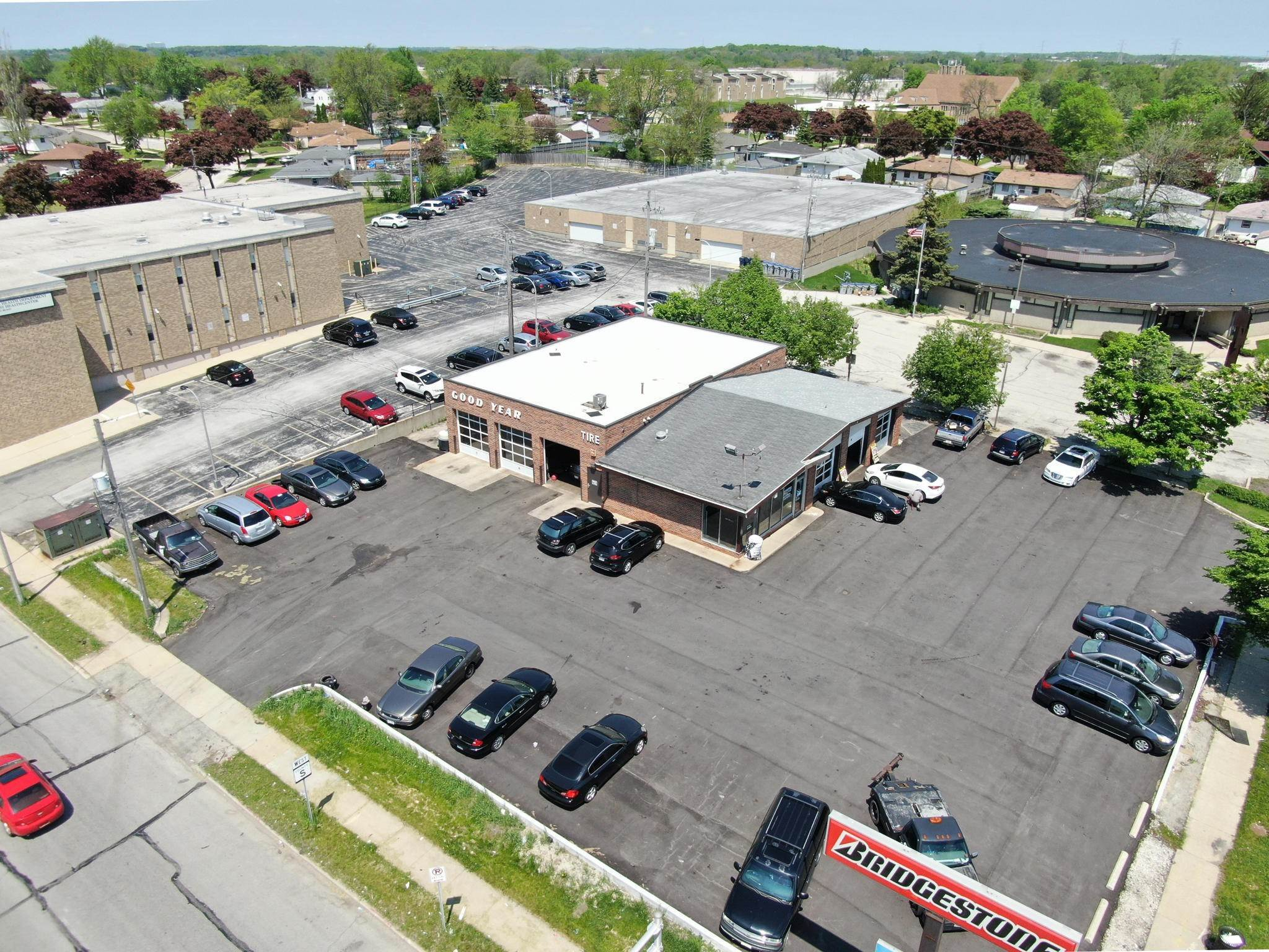 Commercial / Industrial for Sale at 6401 N 76th Street Milwaukee, Wisconsin 53223 United States