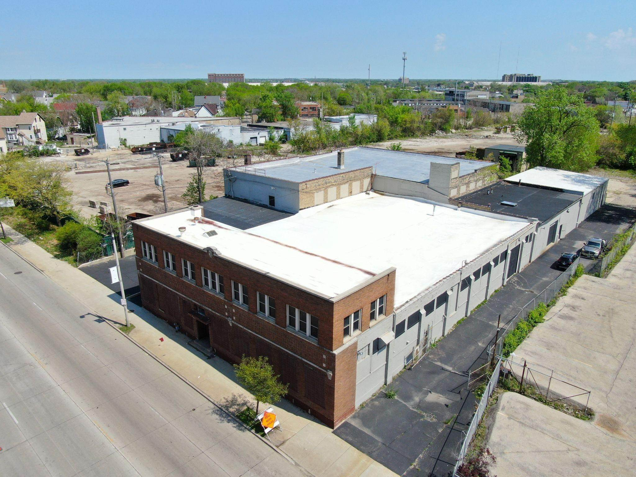 Commercial / Industrial for Sale at 3258 W Fond Du Lac Avenue Milwaukee, Wisconsin 53210 United States
