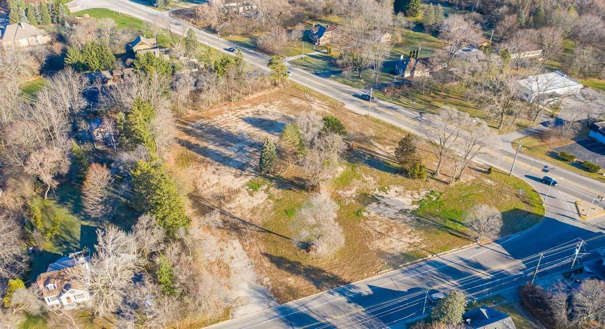 Land for Sale at 10401 N Cedarburg Road Mequon, Wisconsin 53092 United States