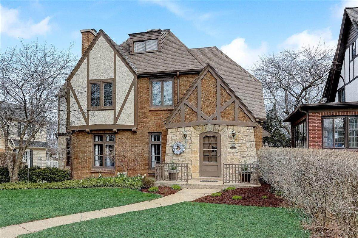 Single Family Homes for Sale at 616 E Carlisle Avenue Whitefish Bay, Wisconsin 53217 United States