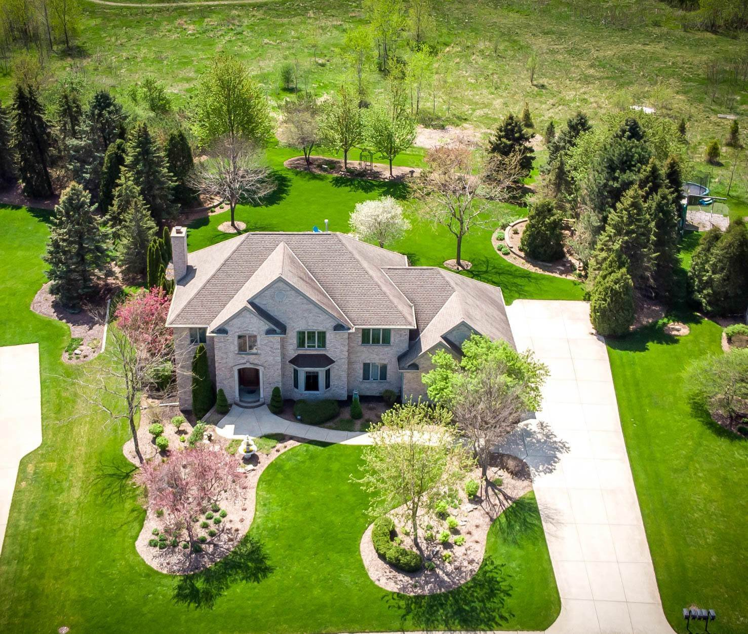 Single Family Homes for Sale at 1095 Auburn Drive Brookfield, Wisconsin 53045 United States